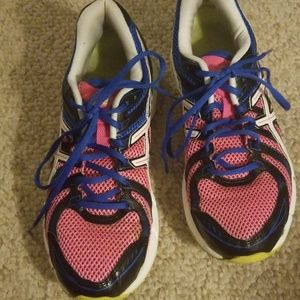 Asics gel....pink and black size 9...NICE!!